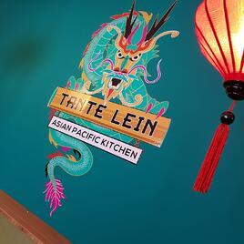 High-tack muurstickers sieren interieur Aziatisch streetfood restaurant