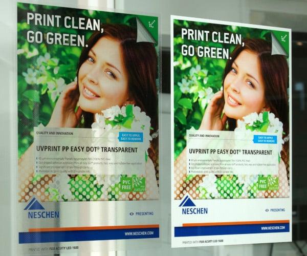 Links in spiegelbeeld geprint voor applicatie aan de binnenzijde van het raam, rechts in spiegelbeeld geprint met witte opdruk.