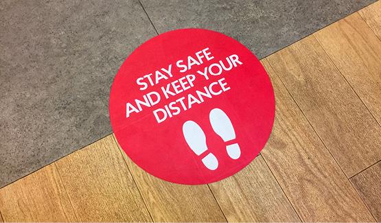 Vloerstickers voor social distancing, snel & eenvoudig